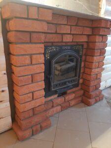Портал банной печи из рваного кирпича